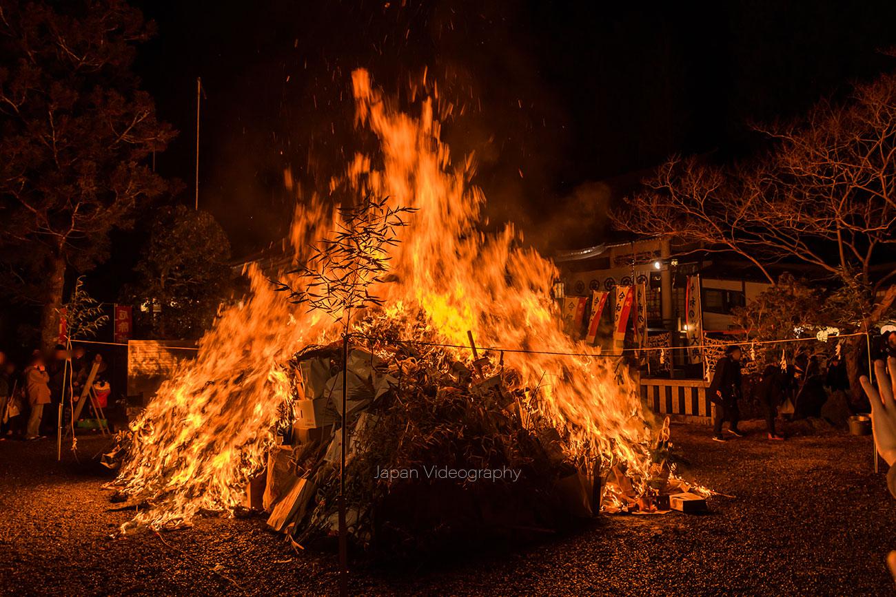 青麻神社のどんと祭